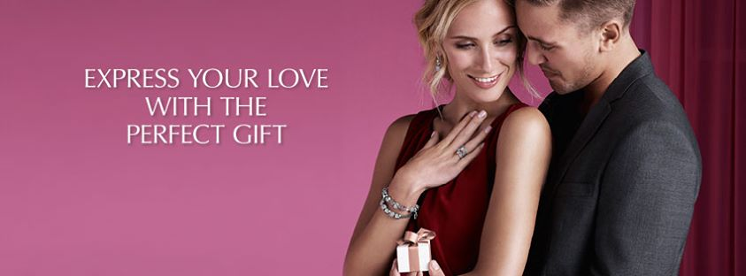 Pandora - Pandora_couple_with_gift.jpg - brand name designer jewelry in San Diego, California