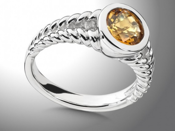Ring by Colore